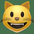 Wajah Menyeringai Kucing Apple