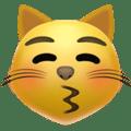 Kucing Mencium dengan Mata Tertutup Apple