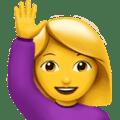 Wanita Mengangkat Tangan Apple